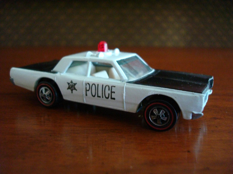 Hot Wheels Redline 1969 Police Cruiser