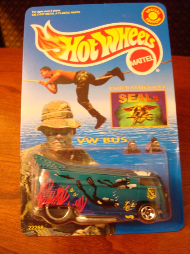 Hot Wheels VW Drag Bus