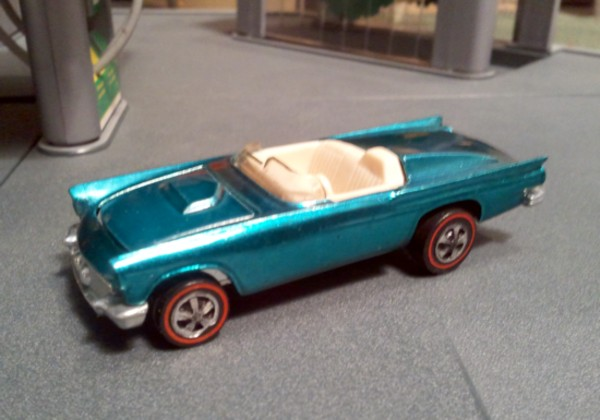 Hot Wheels Redline '57 T-Bird